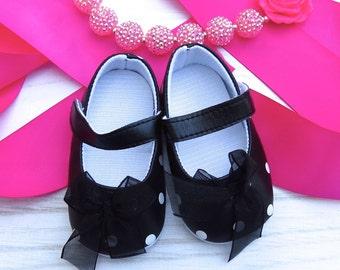 Baby shoes, black Mary Janes, polkadot mary janes, minnie mouse baby shoes, minnie mouse shoes, first walkers, black white polkadot shoes