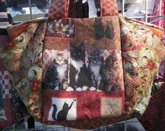 Adorable Maine Coon Kittens Shoulder Bag
