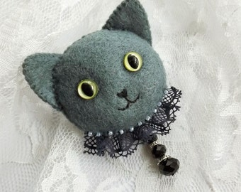 Russian Blue Cat Brooch, Handmade Animal Felt Jewelry for Cat Lovers, Hand Sewn Kitty Cat Brooch for Pet Lovers