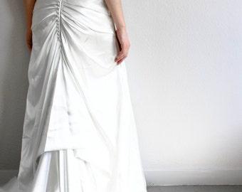 Strapless Enzoani Wedding Dress sz.10 (US)/14 (UK), beautiful beaded detail