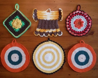6 Vintage Groovy Crocheted Potholders  - Vintage Crochet Dress Floral Flower Circular Potholder - Vintage Crocheted Potholders Trivet Lot