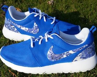 Nike Roshe Run Womens Custom Floral Size 8