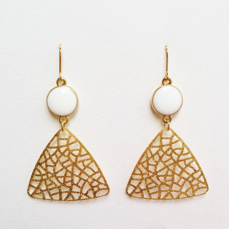 triangle dangle earrings gold triangle earrings white. Black Bedroom Furniture Sets. Home Design Ideas
