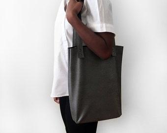 Shoulder tote bag / Grey ostrich faux leather