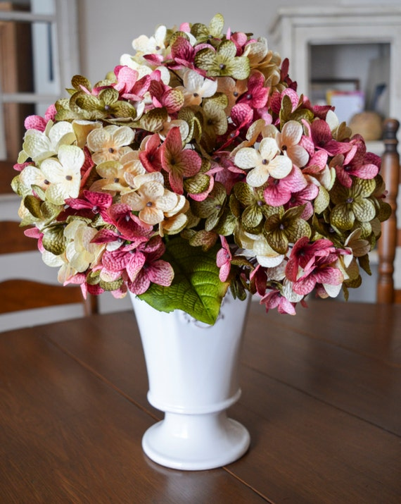 Wedding hydrangea centerpiece flowers blended stem