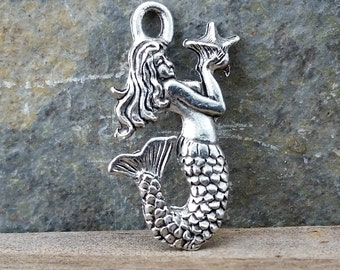 Mermaid With Star Fish Charm Silver Pewter C70,silver mermaid charm,mermaid charm,bracelet charm,beachy charms,ocean charm, sea life charm