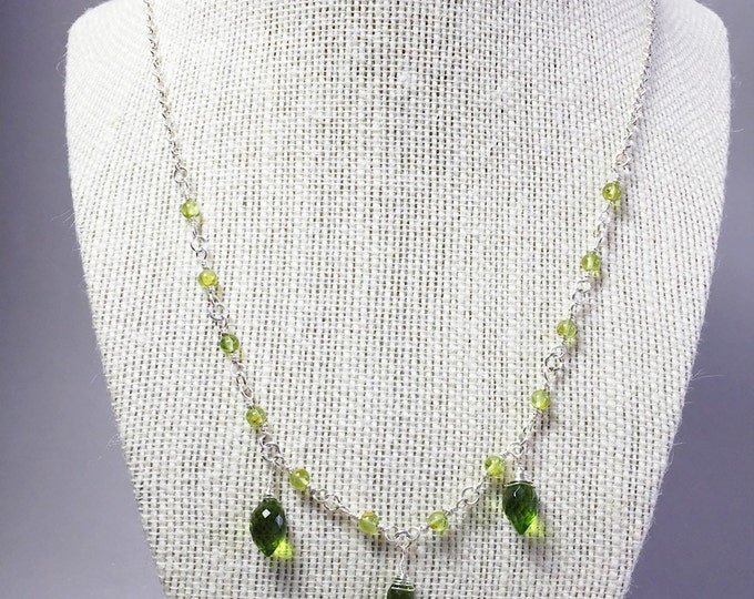 Lime green peridot quartz necklace, green crytal necklace, Sterling silver green Quartz necklace, wire wrapping green crystal necklace