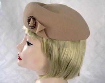 1940s Felted Beret / 40s Beret / Tan Wool Hat