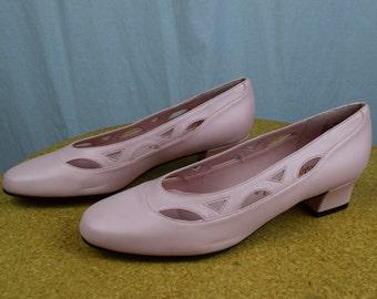 Light Pink ROUND TOE Vintage Chunky Heels / 1990s