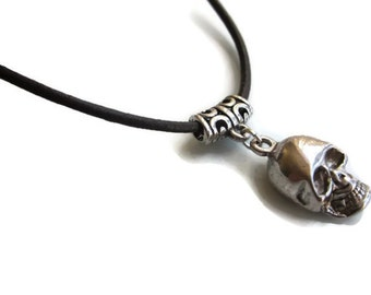 Skull necklace, Leather cord necklace, silver skull pendant, leather choker, Leather necklace, rock jewellery, necklace uk