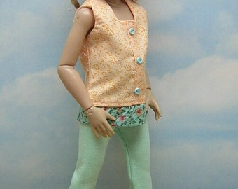 Green Capris set to fit  14 inch Chrysalis Kish doll