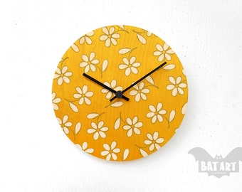 Daisy Flower Wall Clock 20cm, Modern Wall Clock, Wall Clock, Wooden clock, Hanging clock, Kitchen Clock, Gift for him, Room decor, Flowers