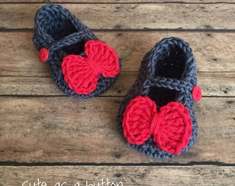 Baby girl crochet maryjanes, baby crochet flats, baby crochet shoes with crochet bow