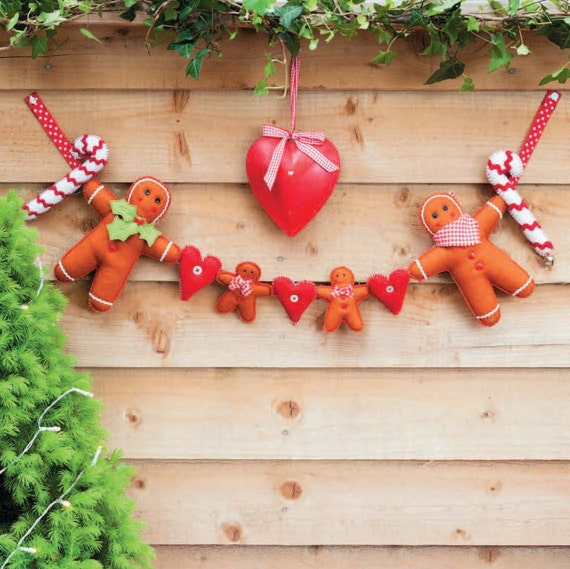 Family Gingerbread Garland Sewing Pattern Download (860057)