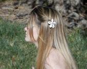 Cowrie Shell Flower Hair Pin, Sea Shell Hair Accessory, Hair Flowers, Beach Wedding, Bride Hair Pin, Hair Jewelry, Handmade, Bobby Pin