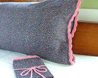 Black Multi- Star Pillow Case w Crochet Edging, Crochet Pillow Case, Black Bedding, Pink Bedding, Black Pillow Cover, Pillow Cases Standard