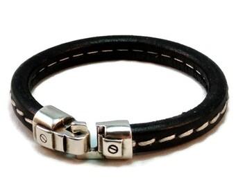 Leather bracelet mens licorice bracelet bangle bracelet black stitched bracelet mens bracelet magnetic clasp European leather LLB-15-01