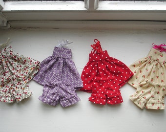 Small strapless dress and bloomers assorted for Blythe dolls