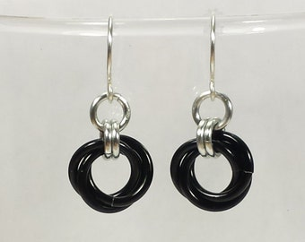 Chainmail Earrings - Black Mobius