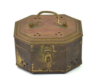 Vintage Brass Cricket Box, Trinket Box, Treasure Box, Keepsake Brass, Patinaed