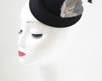 Black Grey Pigeon Feather Pillbox Fascinator Hat Races Vintage Hair Clip 40s 199