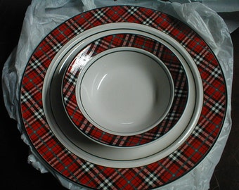 Studio Nova tartan red plaid serving bowl