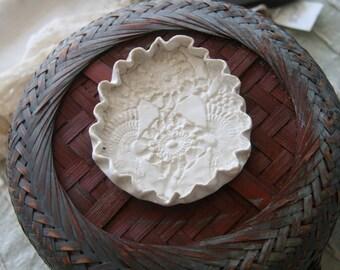 Scalloped Lace Dish