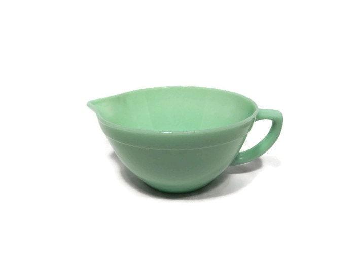 Vintage fire king jadeite mixing bowl handled batter bowl for Fish batter bowl