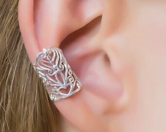 Silver ear cuff. non pierced earrings. ear cuff earrings. tribal earrings. silver ear wrap. cartilage cuff. boho chic.