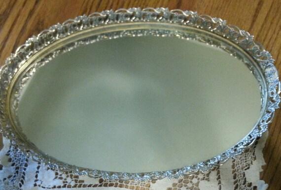 oval designed ornate gold vanity mirror victorian. Black Bedroom Furniture Sets. Home Design Ideas