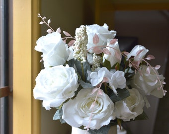 Beautiful Rose Bunch in white -ITEM042