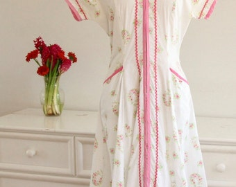 1940's Sweet White, & Floral Day Dress with Cotton Candy Pink Bric Brac Trim