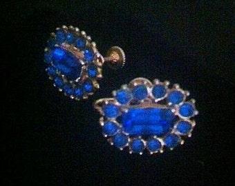Vintage Gold Tone Metal Screw Back Sapphire Blue Rhinestone Earrings . 1950s early 1960s Oval Shape Earrings . 50s 60s Costume Jewelry