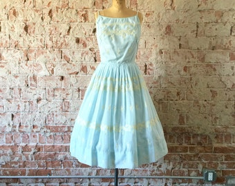 1950s Vintage Party Dress Pale Blue White Lace Embroidery Full Skirt S