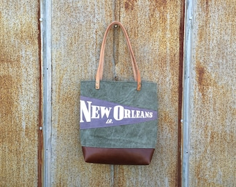 New Orleans Louisiana Vintage Pennant Military Bucket Tote