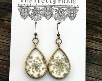 White Queen Anne's Lace Earrings, Real Flower Earrings, Pressed Botanical Jewelry, Antique Bronze Bezel