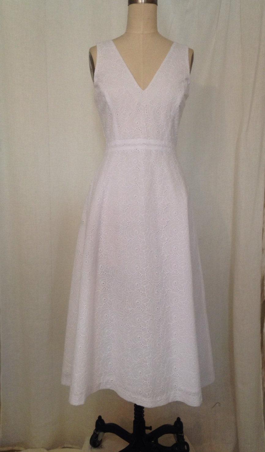 White Cotton Eyelet V Neck A Line Midi Dress Size Small