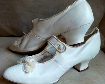 Abraham and Straus White Kid Leather Wedding Slippers size 7-7 1/2