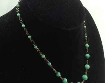 1930's Green Bead Necklace