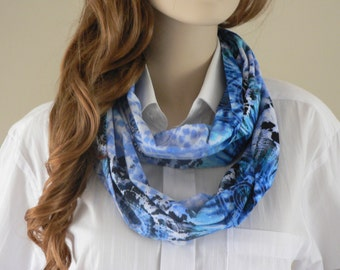 Blue Infinity scarf, made of cotton