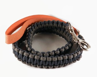 Paracord Dog Leash in your choice of colors, 550 Paracord, Strong Paracord Dog Leash, Heavy Duty Leash