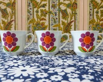Set of 3 mod daisy Seltmann Weiden BAVARIA porcelain coffee cups - French 70s vintage