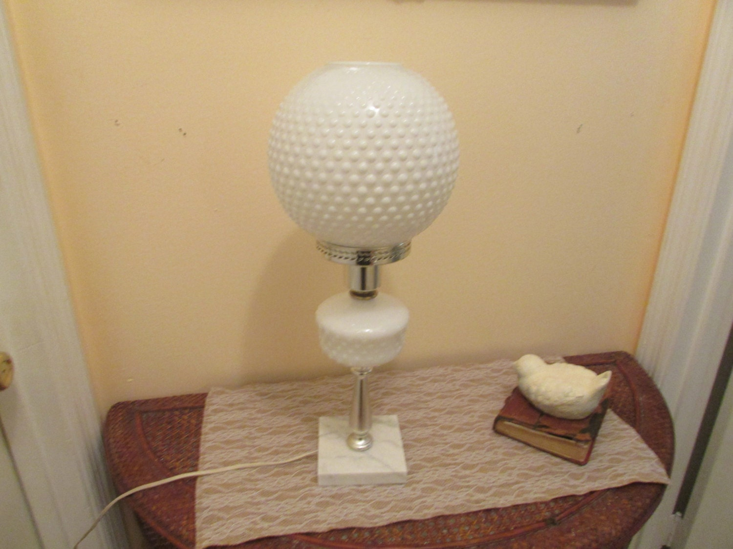 Vintage milk glass hob nail table lamp by sistersvintageattic for Manicure table lamp
