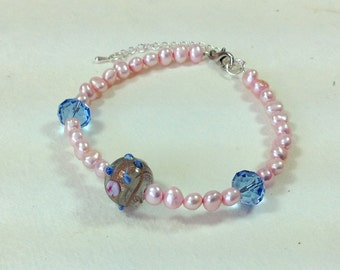 Pink Fresh Water Pearl and Hand Made Glass Bead Bracelet