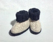 Knitted baby  boots /shoes