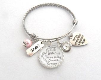 DAUGHTER GIFT, Daughter Bracelet, Gift for Bride from Mother, Gift from Mom to daughter,Daughter Charm Bracelet, MOTHER Daughter Gift