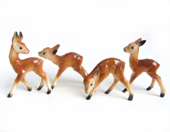 vintage deer herd plastic deer fawn figurines christmas. Black Bedroom Furniture Sets. Home Design Ideas