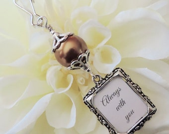 Wedding bouquet photo charm, brown/earth tones pearl with a small picture frame for a bridal bouquet. Gift for a bride. Bridal shower gift.