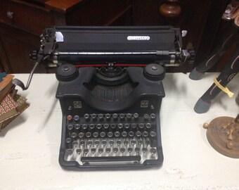 Olivetti typewriter m40