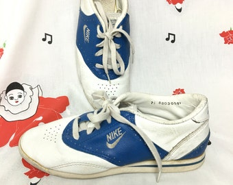 Vintage 80s Nike Tennis Shoes Ladies 7 1 2 Womens Low Top Two